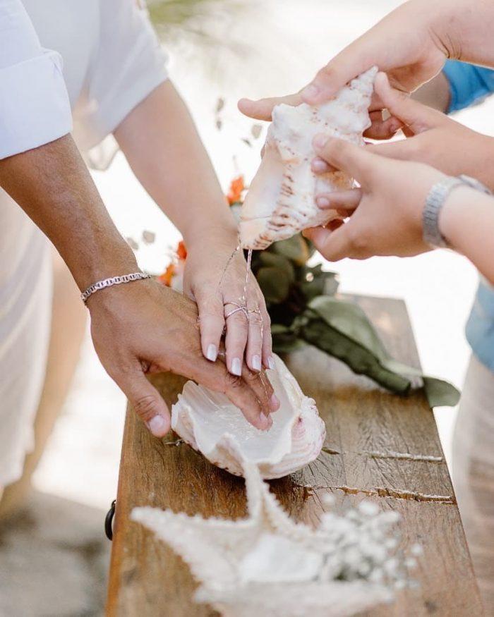 {Dicas Úteis} 5 rituais para cerimônia de casamento na praia