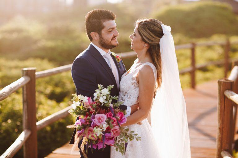 Destination Wedding ao ar livre com vista para o mar em Florianópolis – Juliana & Diego