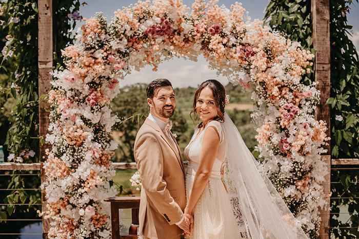 Casamento intimista romântico e delicado numa tarde ensolarada no Covadonga – Letícia & Victor