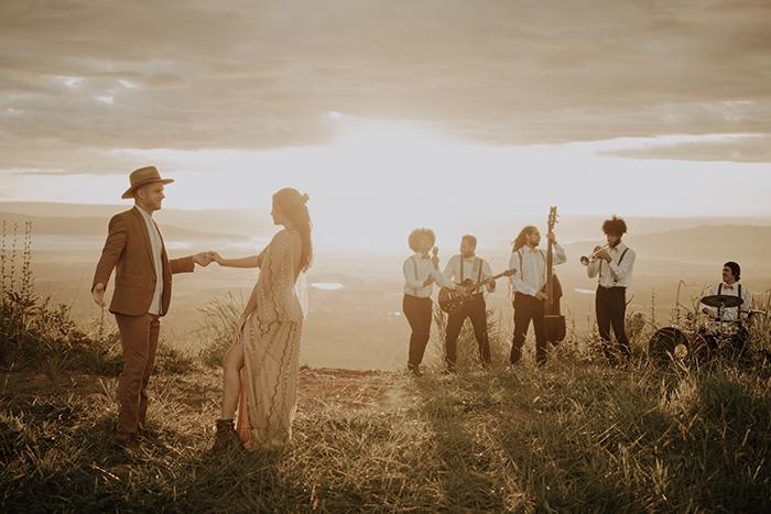 {Editorial Aurora} A delicadeza e o romance de um elopement wedding ao nascer do sol