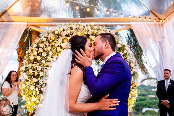 Casamento romântico e adorável numa cerimônia ao ar livre no interior de São Paulo – Amanda & Leandro