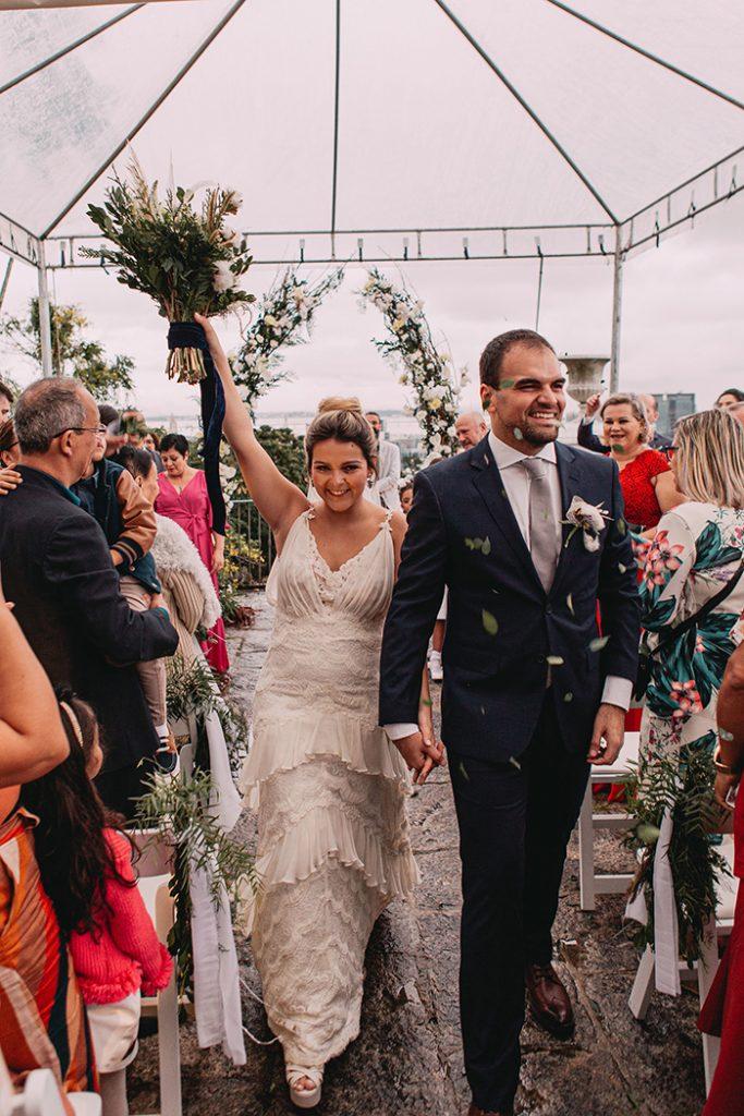 Casamento elegante com toque minimalista numa tarde adorável no Rio de Janeiro – Mariane & Léo