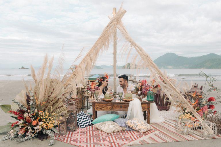 {Editorial Mar & Amar} Romântico elopement wedding pé na areia ao nascer do sol em Ubatuba