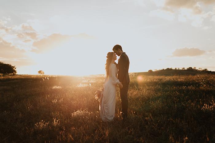 Micro wedding boho numa tarde adorável e ensolarada no Paraná – Miriã & Gladson