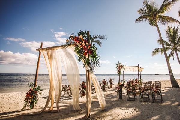 cerimonia casamento luau na praia