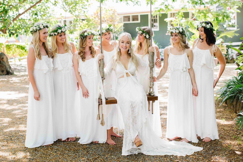 Madrinhas de branco casamento tema luau