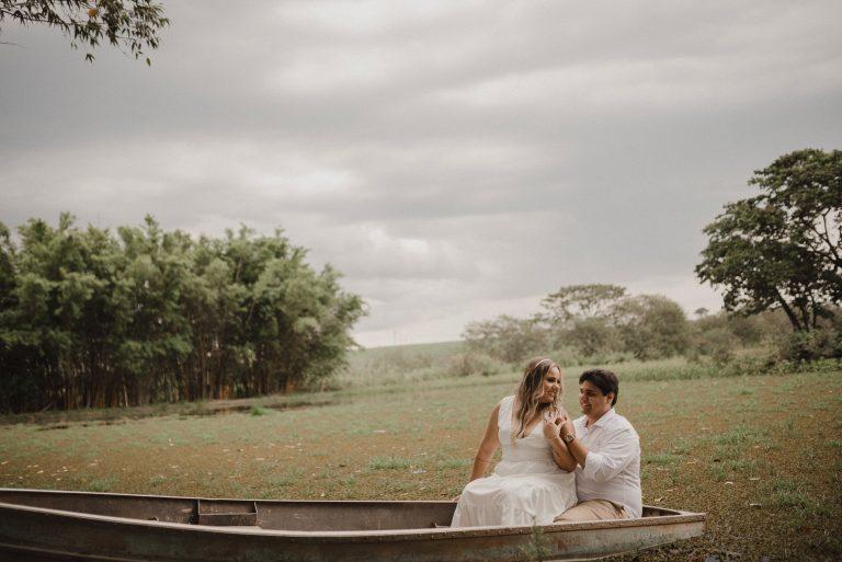 Ensaio pré wedding num clima aconchegante e familiar no campo no interior de São Paulo – Bruna & Marco