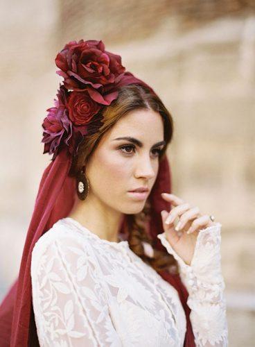véu de noiva marsala