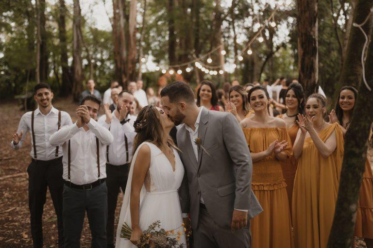 Mini wedding no bosque cheio de personalidade e muito amor em Londrina – Camila & Wender