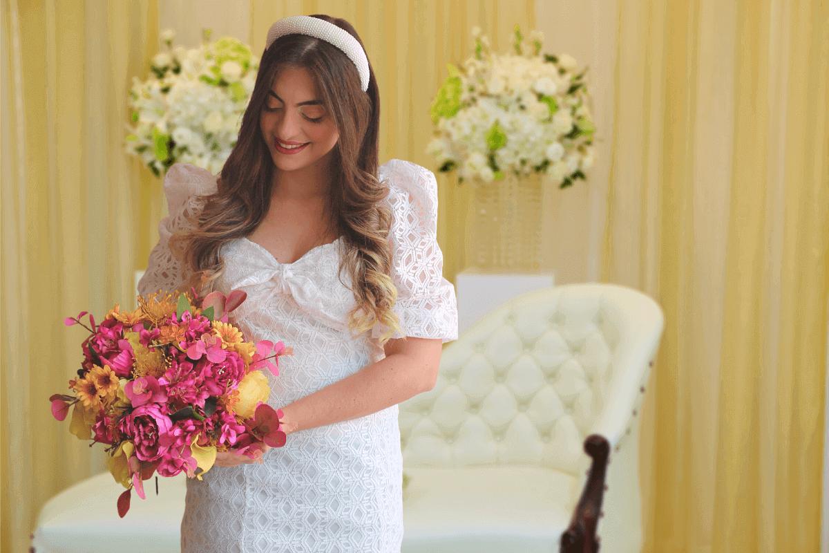 buquê de noiva amarelo e rosa