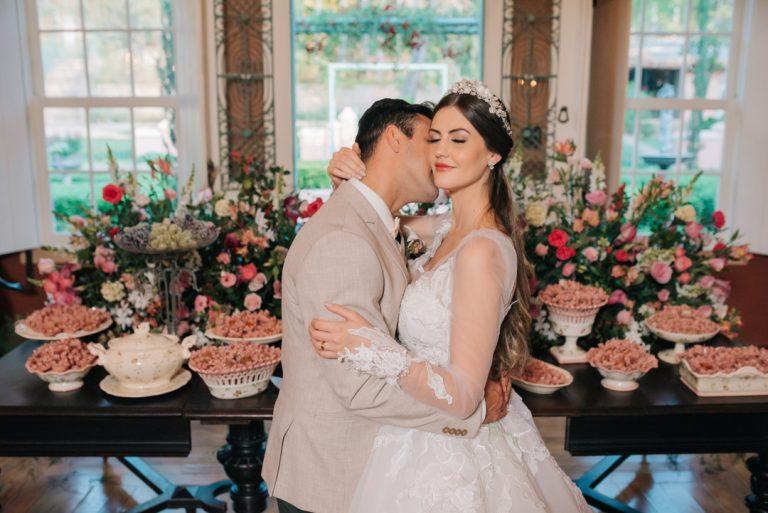 {Editorial Para Sempre Nós} Um elopement wedding com toques clássicos na fazenda