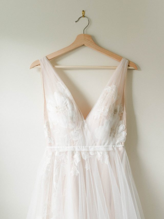 Vestido de noiva: Comprar,  alugar ou fazer sob medida?