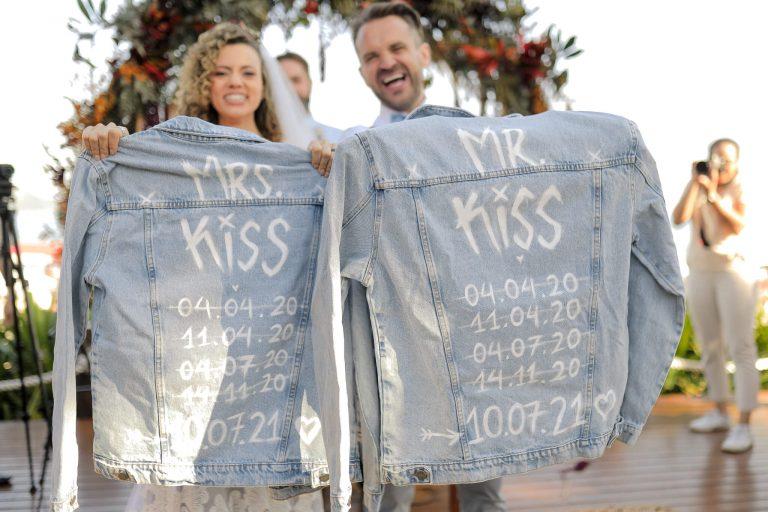Casamento na praia cheio de personalidade numa tarde perfeita para dizer SIM no litoral de São Paulo – Liv & Felipe