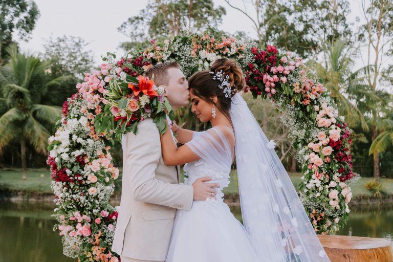 Micro wedding com vista para o lago numa tarde adorável no Rio de Janeiro – Iasmin & Pedro