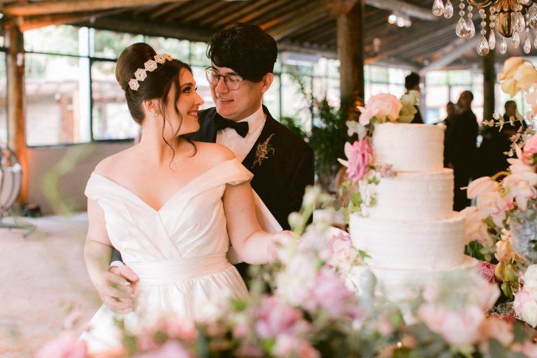 Mini wedding clássico cheio de personalidade numa tarde encantadora na Fazenda Dona Inês – Eleonora & Lucas
