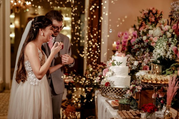 Casamento romântico num final de tarde dos sonhos para dizer SIM na Casa Quintal – Laura & Gustavo