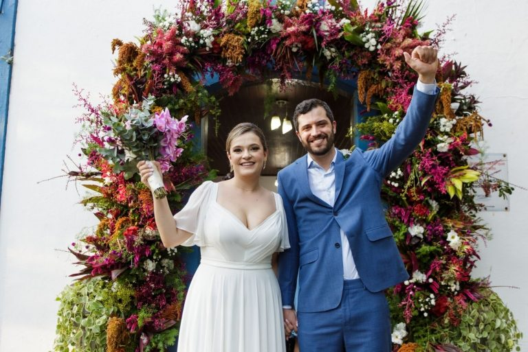 Casamento florido no litoral norte de São Paulo – Letícia & Marcelo