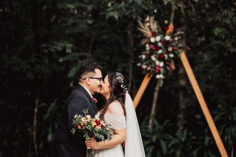Mini wedding boho com projetinhos DIY numa tarde cheia de alegria e amor no Mato Grosso do Sul – Karina & Saulo