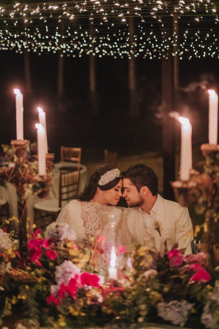 Mini Wedding no campo com decoração vintage no interior de São Paulo – Karine & Anderson